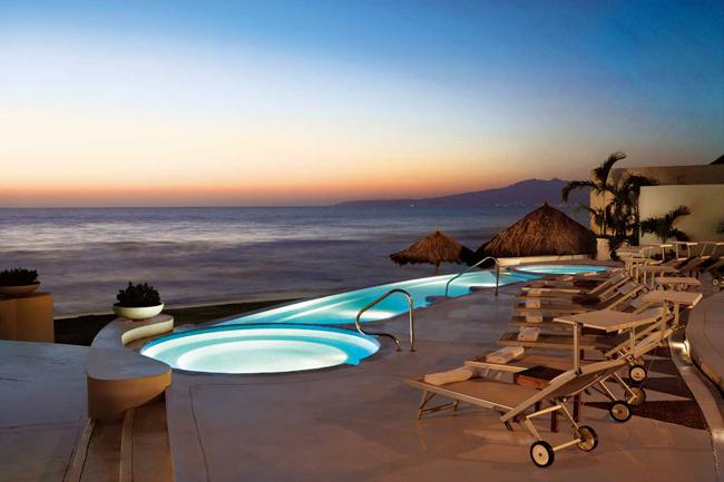 Viaje de incentivos: piscina hotel de lujo