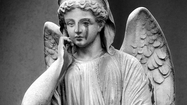 Escultura en un cementerio