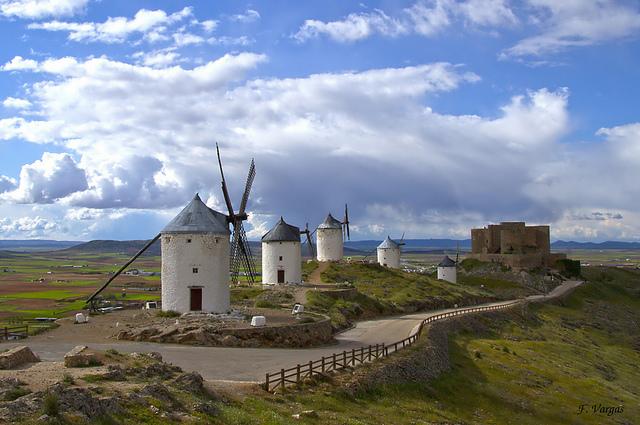Consuegra-molinos-y-castillo